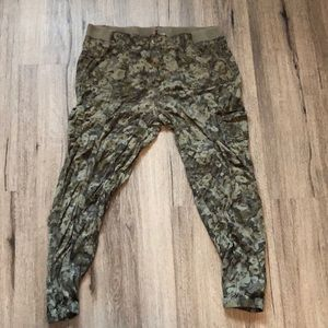 Knox Rose camouflage pants